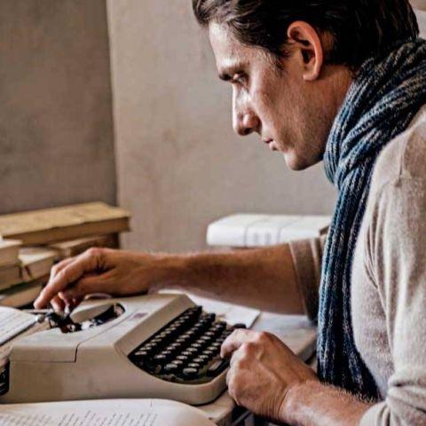 L'adattamento italiano di Martin Eden è un'epopea onirica e romantica