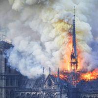 Notre-Dame | Il tifo per le fiamme